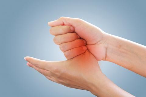 ماهى أعراض الروماتويد وعلاجه ؟