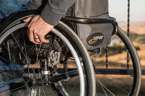 كيفية تفعيل بطاقة الخدمات المتكاملة للمعاقين -كرسي متحرك