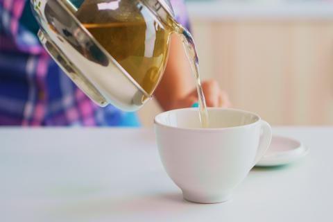 فوائد الشاي الاخضر للضغط والسكر -براد من الشاي الاخضر