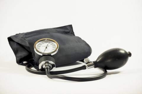 قياسات الضغط العالي -جهاز زئبق لقياس ضغط الدم للتأكد من أعراض الضغط العالي