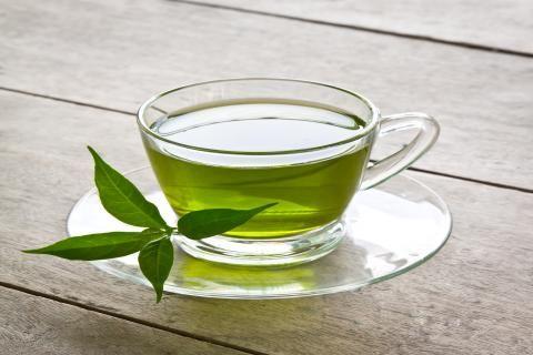 علاج جرثومة المعدة بالاعشاب - فنجان شاي أخضر