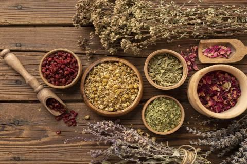علاج القولون العصبي بالاعشاب -اعشاب للتخلص من اعراض القولون العصبي