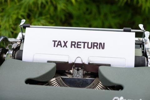 تقديم الاقرار الضريبي في الإمارات -تقرير الضرائب