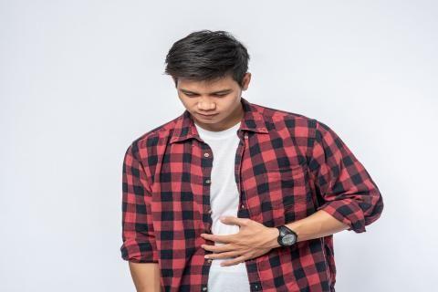 التهاب المعدة : تعرف على الأعراض والأسباب وطرق العلاج